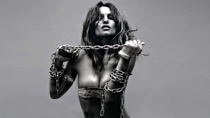 красивые фото девушек в цепях